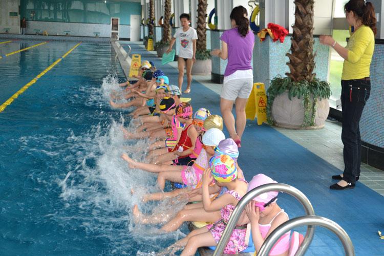 回龙观儿童启蒙游泳培训