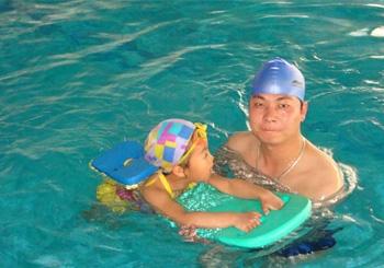 回龙观小孩学游泳