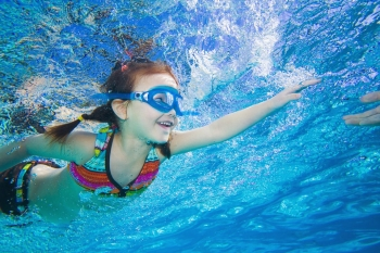 一对一游泳培训